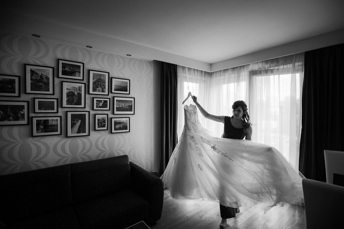 tomasz knapik, tomasz knapik pictures, fotograf nawesele, fotograf warszawa, fotograf ślubny, przygotowania doślubu, ślub nagłowie, przygotowania, suknia