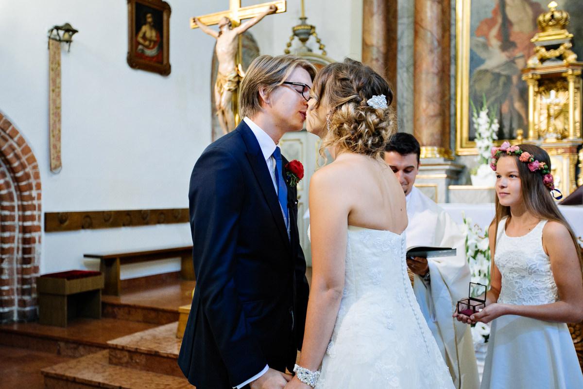 tomasz knapik, tomasz knapik pictures, fotograf nawesele, fotograf warszawa, fotograf ślubny, ślub nagłowie, przysięga, ceremonia, przysięga, pocałunek