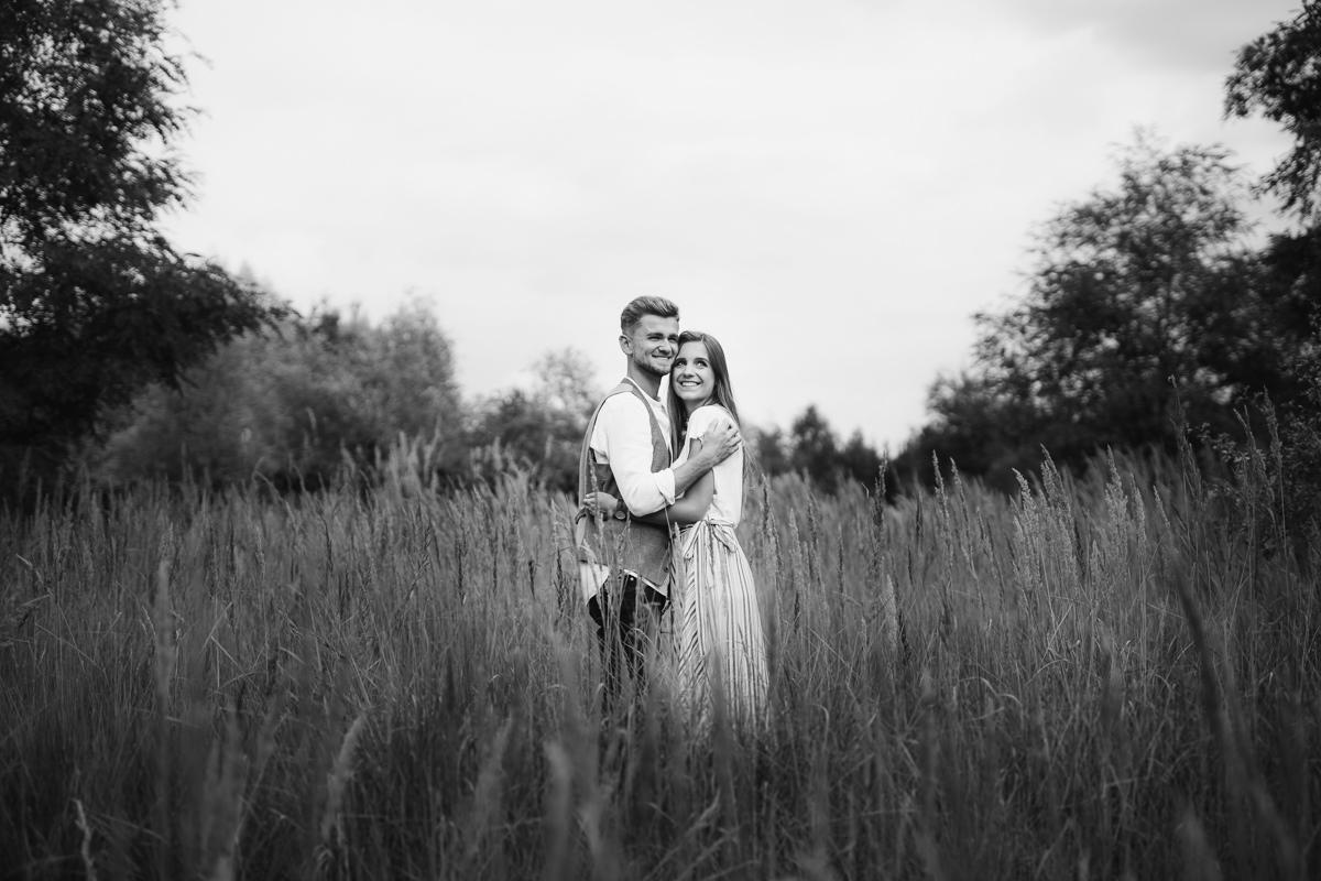 narzeczeni, sesja zdjęciowa, zdjęcia zaręczynowe