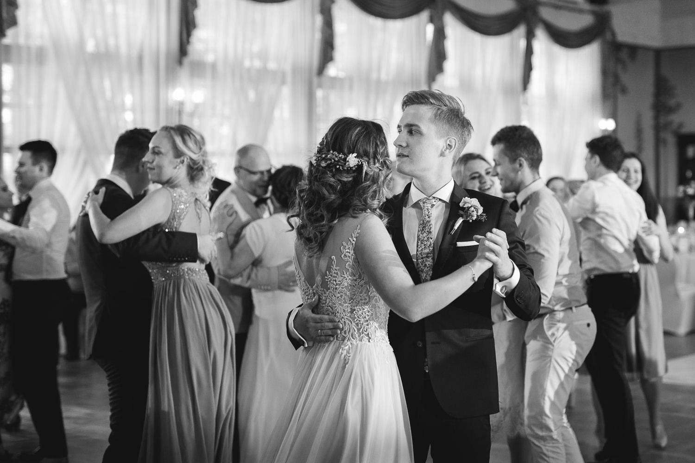 klasyczne-wesele-zamek-dubiecko-0070