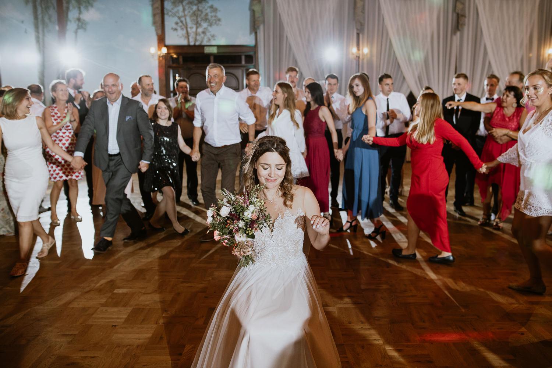 klasyczne-wesele-zamek-dubiecko-0142